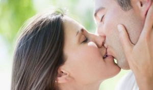 national-kissing-day--413241